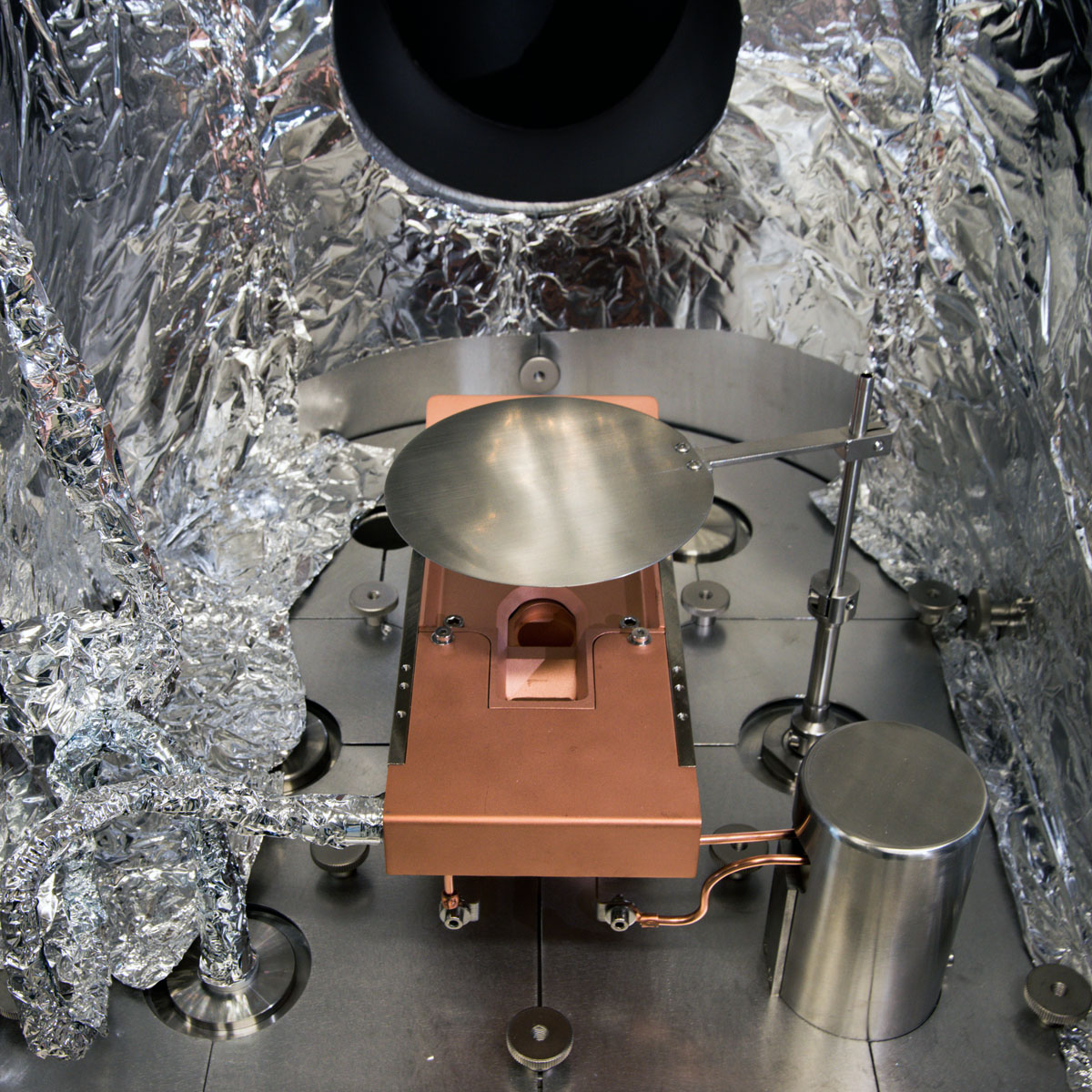 Electron beam source